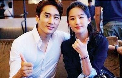 宋承宪(左)同刘亦菲合作电影《先后三种爱情》重组,唯独两者为工作忙于去年底分别。