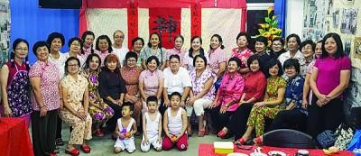 马华大山脚区会妇女组筹划怀旧主题过年聚餐会,于大家难得重温旧时光。