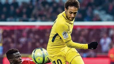 内马尔曾在法甲打进18球。