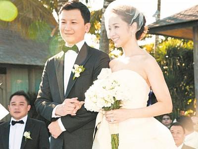 侯佩岑当年与老公黄柏俊在峇里岛举行婚礼。