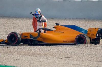 阿隆索在意外发生后离开战车。