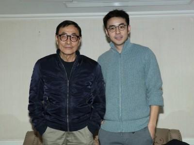 刘家昌(左)与刘子千同出面受访。