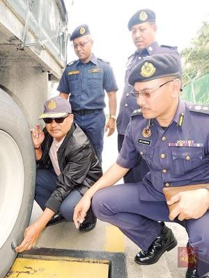 旺阿末:运输业者为了省钱,让危险车辆继续在路上行驶。