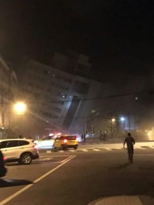 花莲发生6级地震,多栋建筑传倒塌。(网络图片)