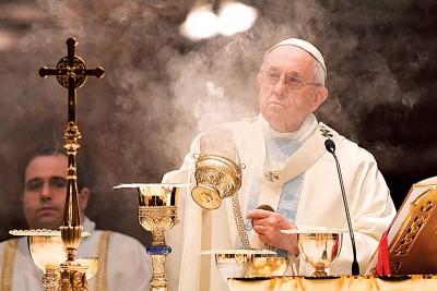 教宗方济各在罗马圣母大殿主持一场弥撒,有传教廷与中国间有关主教任命问题的架构协议已经准备就绪。