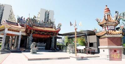 三江庙大普公位于槟城五条路海墘社尾万三旁。