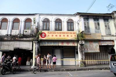 4名台湾籍男子企图爆窃一家当铺。(马新社图片)