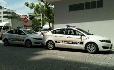 """用作拍电影用途的""""中国警车""""在布城出现。"""