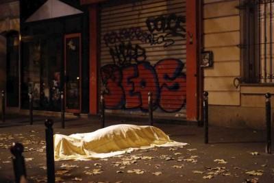 巴黎恐袭死伤者不计其数。