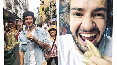 帕托在中国旅行,并尝试鸡爪。