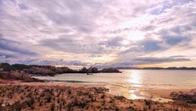 莫华迪分享岛上美景。