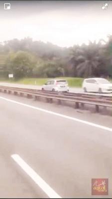 峇眼亚占收费站往北赖收费站大道轿车逆行驶。
