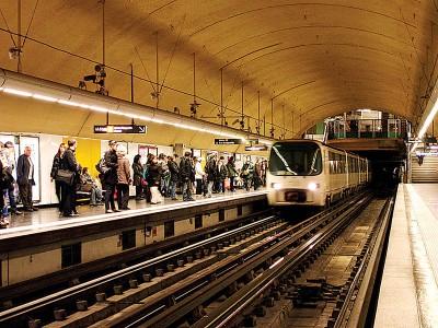 新措施将允许地铁司机可自行决定不停站。