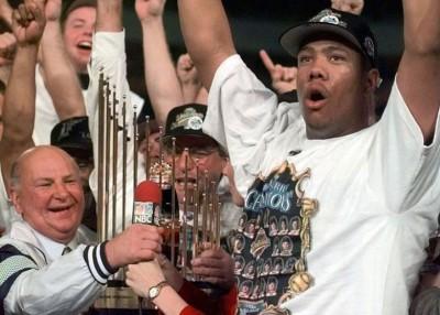 休伊曾加(左)的佛罗里达马林鱼,曾赢得美国联棒大联盟世界大赛。