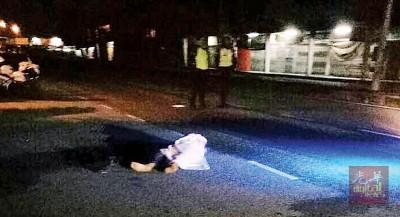 43岁华裔男子遭汽车撞后逃,头部伤势严重,当场死亡。