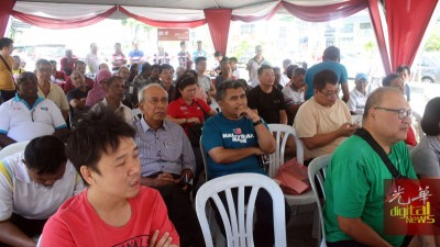 """峇央峇鲁选民出席""""重建家园2.0""""巡回演讲。"""