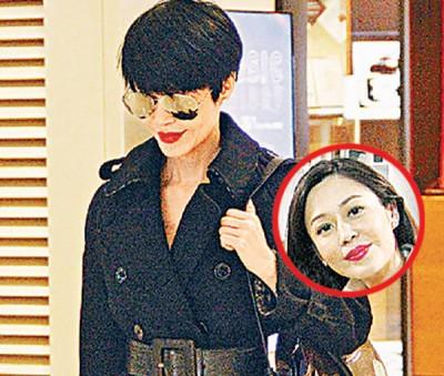 淡妆红唇的孙佳君,面对记者时从容微笑不语。