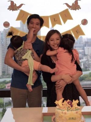王力宏(左)跟太太李靓蕾育有一对女儿。