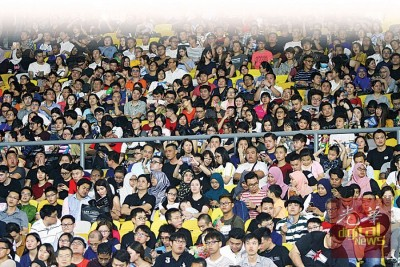 2万名来自全马各地以及中国的李宗伟球迷抱着兴奋又期待的心情与偶像李宗伟一同观赏《LEE CHONG WEI》全球首映。