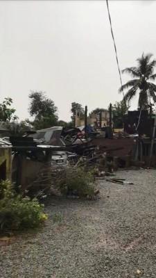 狂风暴雨侵袭铅区3村子,破坏近40家,197人口去栖身之所。