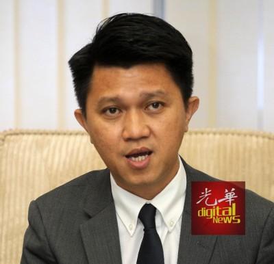 张盛闻:华裔不中选,何以委任华裔部长?
