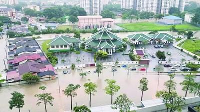 杨顺兴指选区内的水患地区主要都在选区边界,实际上选区的水患情况不严重(档案照)。