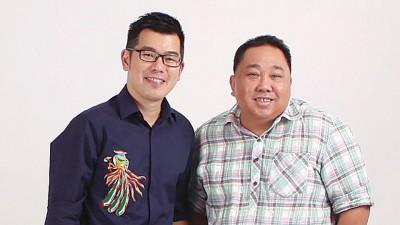 (左)骆胜坚Kenny Loh:40岁,峇峇娘惹后裔,当过十多年营养师,现为Penang Nyonya Culture负责人,积极推广峇峇娘惹文化。 (右)主持人张易雄。