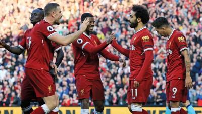 利物浦三叉戟马内(左)、萨拉赫(右2)和菲尔米诺(右)乃欧洲最恐怖进攻组合。