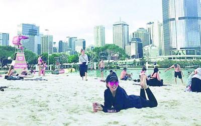 昆凌在澳洲享受假期。