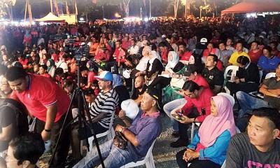 宣布敦马上阵浮罗交怡国席当晚,现场坐满以友族为多的民众。