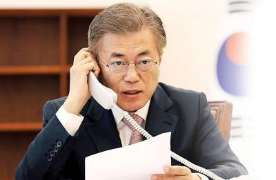韩国总统文在寅周四头确认朝鲜领袖金正恩有意完全弃核。