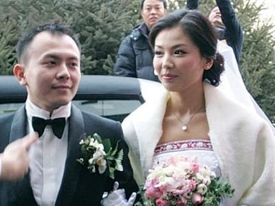 """刘涛于事业最高峰时下嫁当时""""首都四丢""""某的王珂。"""