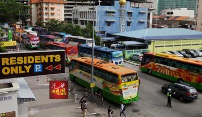 时代广场旁的停车场往年被征用来停放巴士,今年则没有安排。