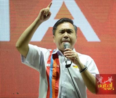 陆兆福呼吁选民推到国阵政权。
