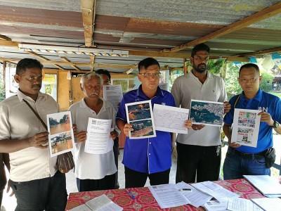 陳嘉亮向水利灌溉局申请,在天德园路的2条河道安置水灾警报器,减少当地居民受困水中的风险