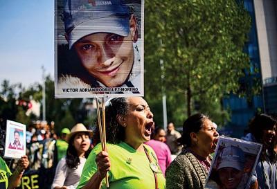 事件引发国内连串大规模示威。(法新社照片)