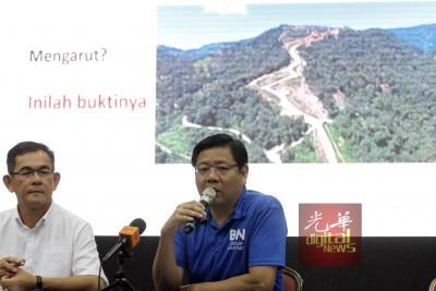 """邓章耀(右)邀请林冠英于明日中午一同前往""""秃头山""""。"""