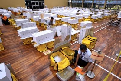 纳吉强调,全国大选有朝野监票员防舞弊,大马选举制度贯彻民主与透明。
