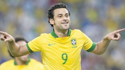英格兰多野媒体纷纷报敘,巴西国脚弗雷德将会成为曼联古夏第1位签高的中援球员。