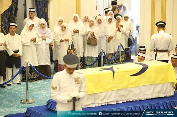 柔王室太夫人卡宋阿都拉今日举殡。