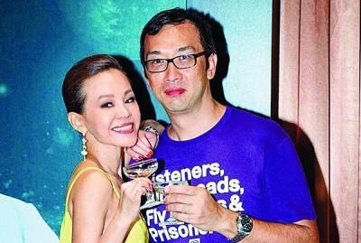 彭佳慧透露今年3月已和前夫王丕仁签字离婚。