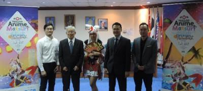 槟城动漫祭记者会,右起黄茁原、杨顺兴行政议员、阴阳师角色扮演、鹿屋真一郎及许文和。
