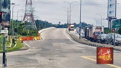 每当上下班时段,武吉淡汶路交通拥堵情况严重。
