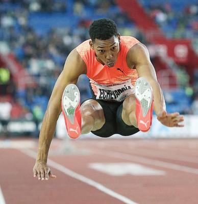 古巴19年男子跳远天才选手埃切瓦里亚创建了合规风速下欧洲杯冠亚军竞猜66的9年来世界最好成绩。