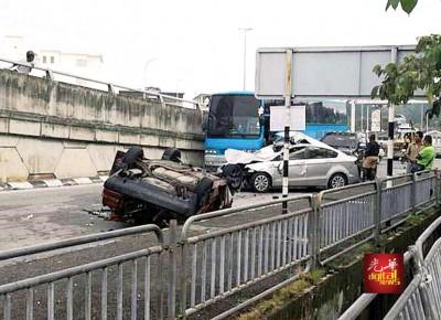 晚上轿车翻覆置路肩,早上另一车不慎撞上。