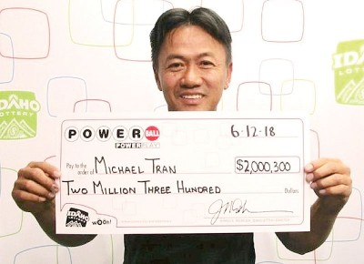 迈克尔计划用奖金来还清房屋贷款。