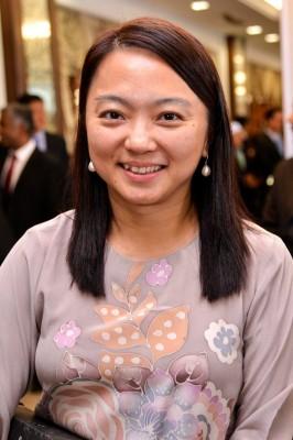 杨巧双会晤任职妇女部副部长。