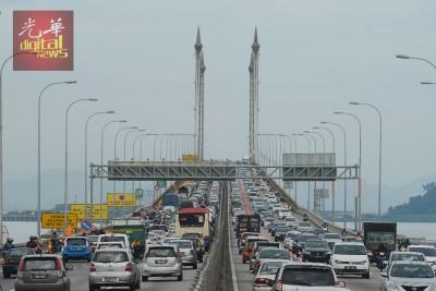 槟城大桥过桥费何时取消,备受槟城人关注。