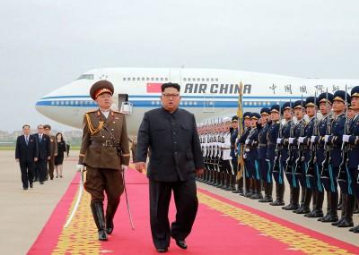 朝鲜当局铺红地毯迎接金正恩返国。
