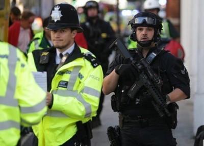 面对伊教极端主义及极右势力的威胁,英国警方疲于奔命。
